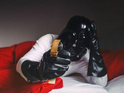 Darth Vader levantandose tarde